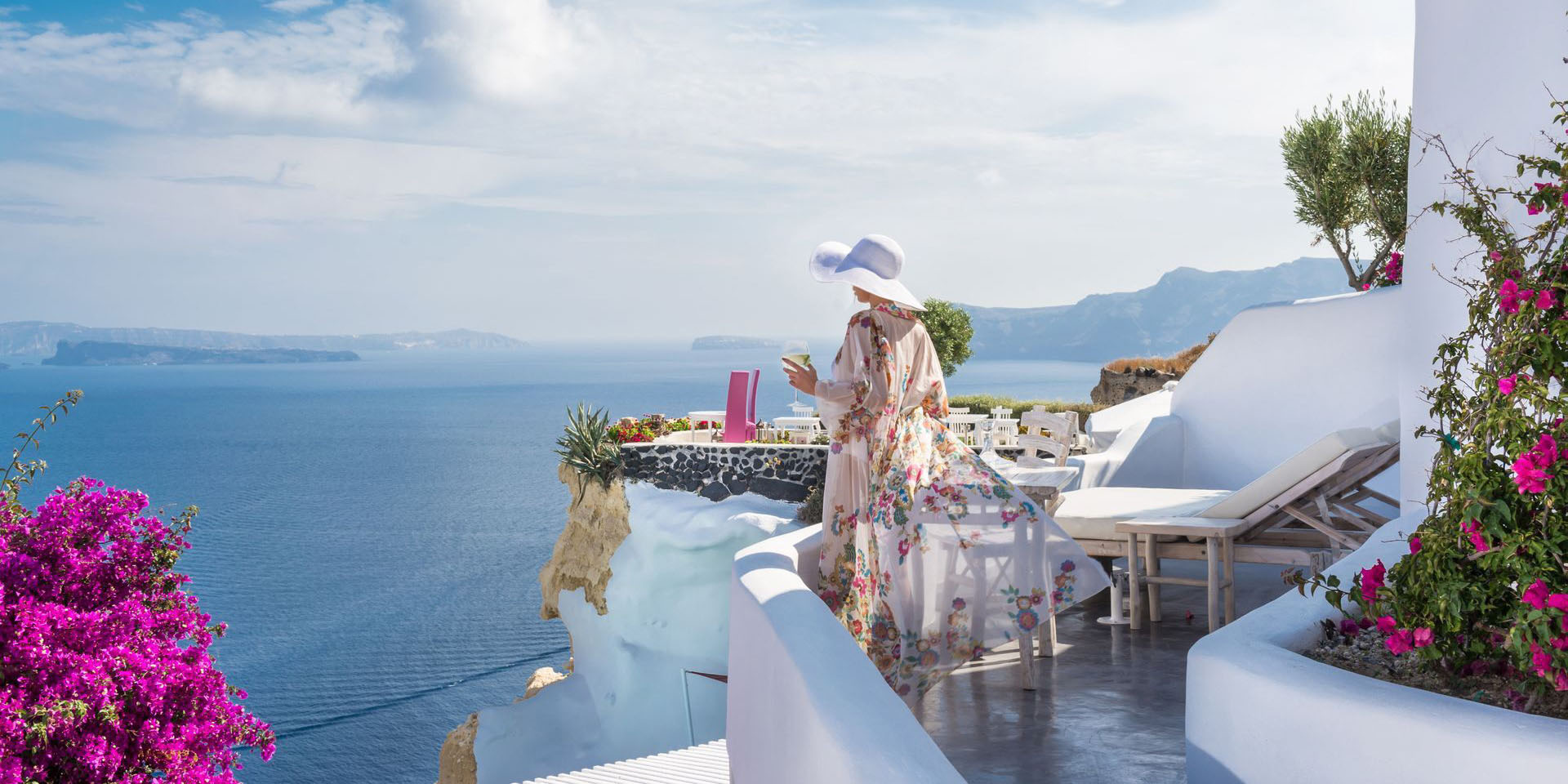 Andronis Luxury Suites & Individual Transfer